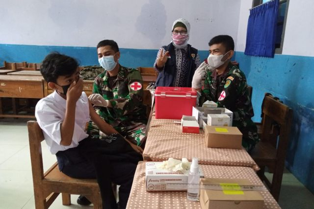 Gambar Gebyar Vaksinasi bagi Siswa SMPN 6 dan SMPN 73 Bandung